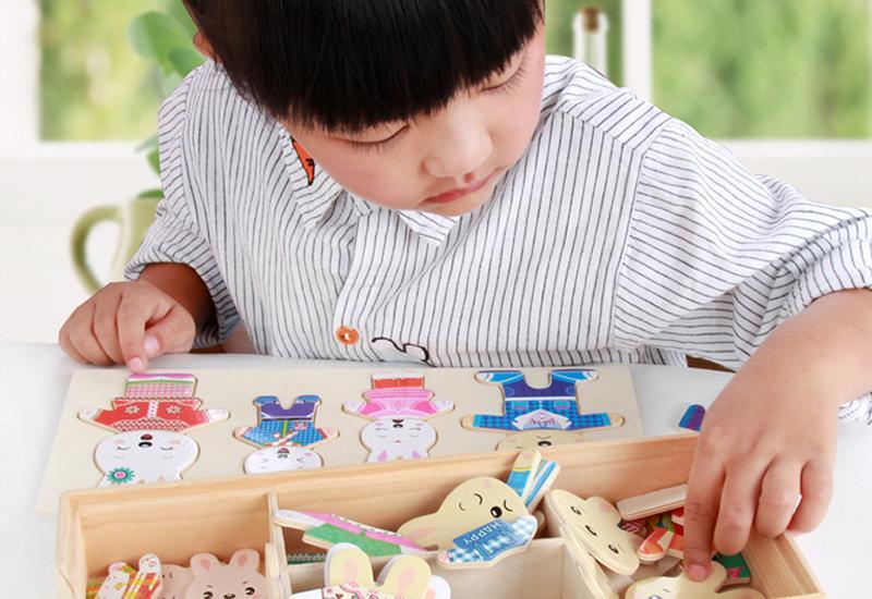 Trên thị trường hiện nay có rất nhiều các loại đồ chơi dành cho trẻ nhỏ ở các lứa tuổi khác nhau. Xem lẫn trong đó là số ít đồ chơi không có nguồn gốc, xuất xứ rõ ràng, đặc biệt là không được kiểm định về chất lượng.
