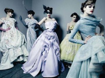 Haute Couture - giấc mơ thời trang hay cuộc đua tiền bạc của giới quý tộc phù phiếm
