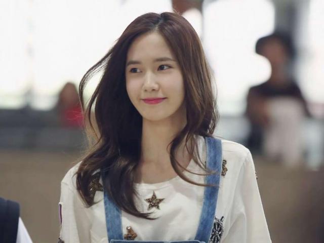 Nữ thần nhan sắc Gen 2 Kpop Yoona cởi phăng áo, nhảy hit lớn của đàn em