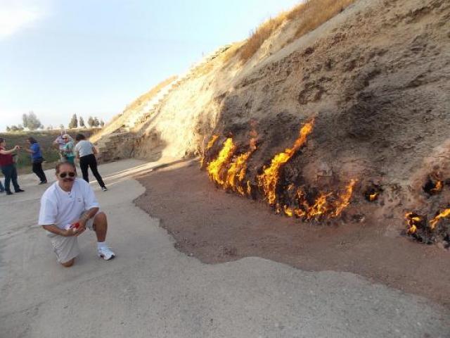 Hỏa Diệm Sơn cháy suốt 4.000 năm, mưa lớn cũng không thể dập tắt