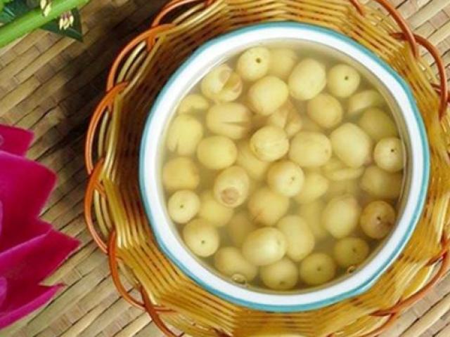 Cách nấu chè hạt sen ngon đơn giản tại nhà ăn bao nhiêu cũng không ngán