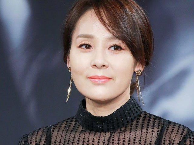 Giữa bão Song - Song ly hôn, phát hiện diễn viên Mặt trăng ôm mặt trời chết tại nhà tắm