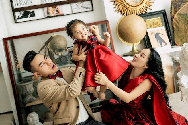 Lê Dương Bảo Lâm: amp;#34;Vợ tôi mang bầu lần 2 là tình cờ, con gái rất vui khi có emamp;#34; - 4