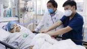 Bác sĩ vừa chạy, vừa hồi sinh sự sống cho bà mẹ 3 con giữa tâm dịch BV Bạch Mai