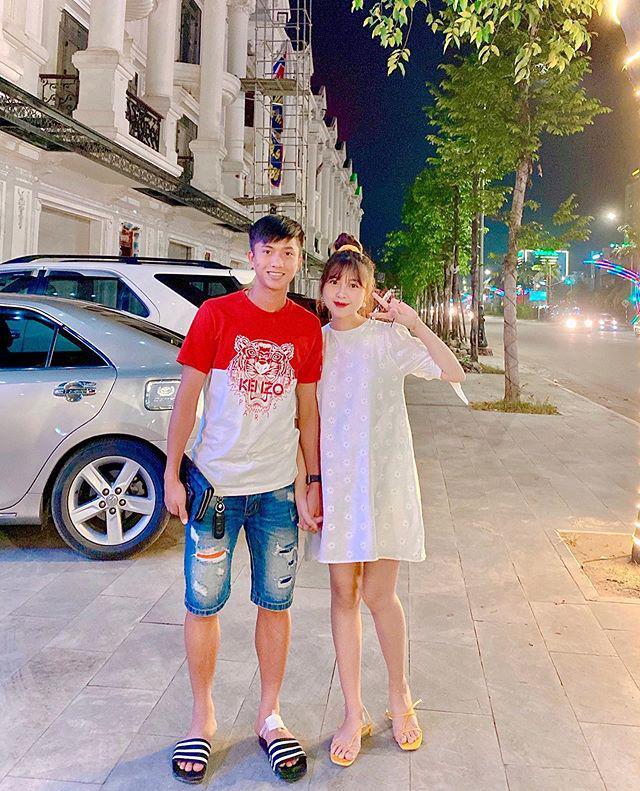Chẳng thua Quỳnh Anh, vợ Phan Văn Đức mang bầu 7 tháng dáng vẫn thon, khéo nhất là làn da