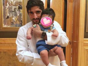 Lộ diện bé trai nghi là con Thái tử Dubai và vợ mỹ nhân, gương mặt xuất sắc hơn bố