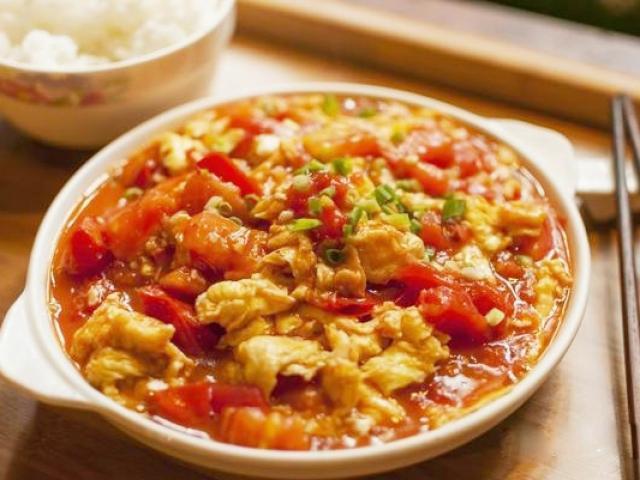 Chưng trứng trong nhiều năm giờ mới biết, trứng và cà chua không thể nấu cùng lúc