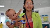 Nhãn sữa Việt mang quà tăng sức đề kháng tiếp sứcbệnh nhi miền Tây