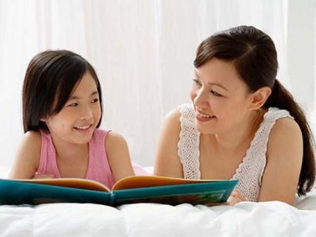 Hiệu trưởng trường ĐH danh tiếng khuyên cha mẹ 4 câu nên hỏi trẻ trước khi đi ngủ