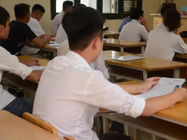 Thầy giáo ở Hà Nội bị tố giải đề thi cho học sinh lớp 12 chép, Sở GDĐT vào cuộc