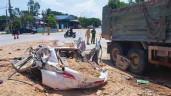 Vì sao bé trai thoát chết trong vụ xe tải đè bẹp xe con, 3 người tử vong?