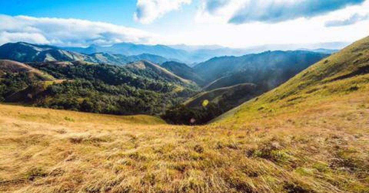 Thiên nhiên hùng vĩ trên cung đường trekking đẹp nhất Việt Nam