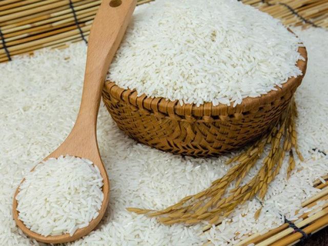 Mua nhiều gạo về, cho ngay thứ này vào đảm bảo không mốc, mọt để được cả năm