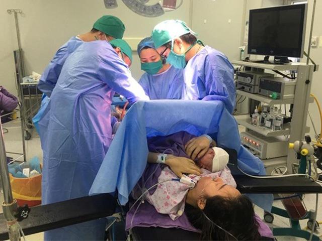 Đau bụng khi đang bầu 23 tuần, mẹ Quảng Ninh đi khám rồi đau đớn nhận tin dữ