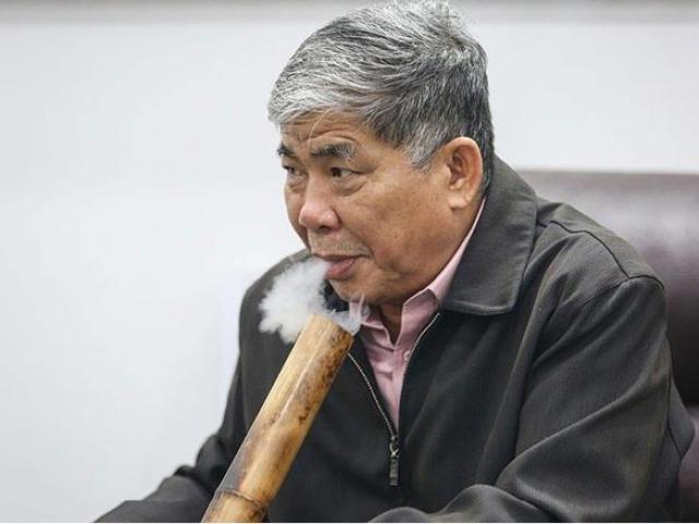 Đại gia Việt đi siêu xe, thích hút thuốc lào, bị khởi tố về tội Lừa dối khách hàng