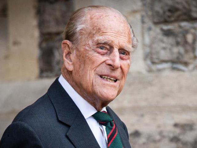Hoàng thân Philip, chồng của Nữ hoàng Anh Elizabeth II, qua đời ở tuổi 99