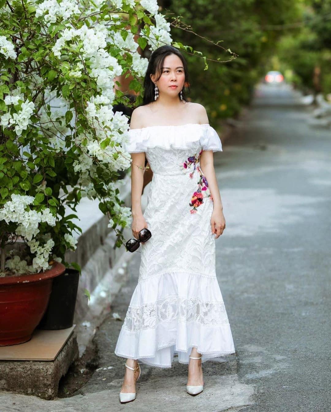 """Không còn """"có thù"""" với trang phục ren, Phượng Chanel giờ cân đẹp váy nửa kín nửa hở - 7"""