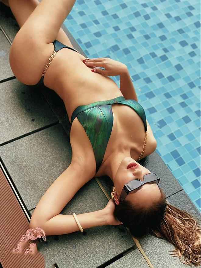 Mỹ nhân quyến rũ nhất amp;#34;Về nhà đi conamp;#34;khoe dáng với bikini, vòng 1 dao kéo nổi bật - 4