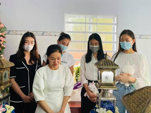 Sao Việt 24h: Dàn Hoa hậu Việt đình đám tới viếng, xót xa vụ bé gái ở Vũng Tàu