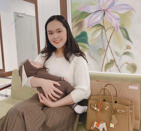 Bà xã cầu thủ Duy Mạnh lấy lại sắc vóc chuẩn tiểu thư sau sinh con đầu lòng - 6
