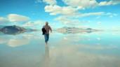 Trải nghiệm mê hoặc tới cánh đồng muối được ví như 'chiếc gương khổng lồ của bầu trời'