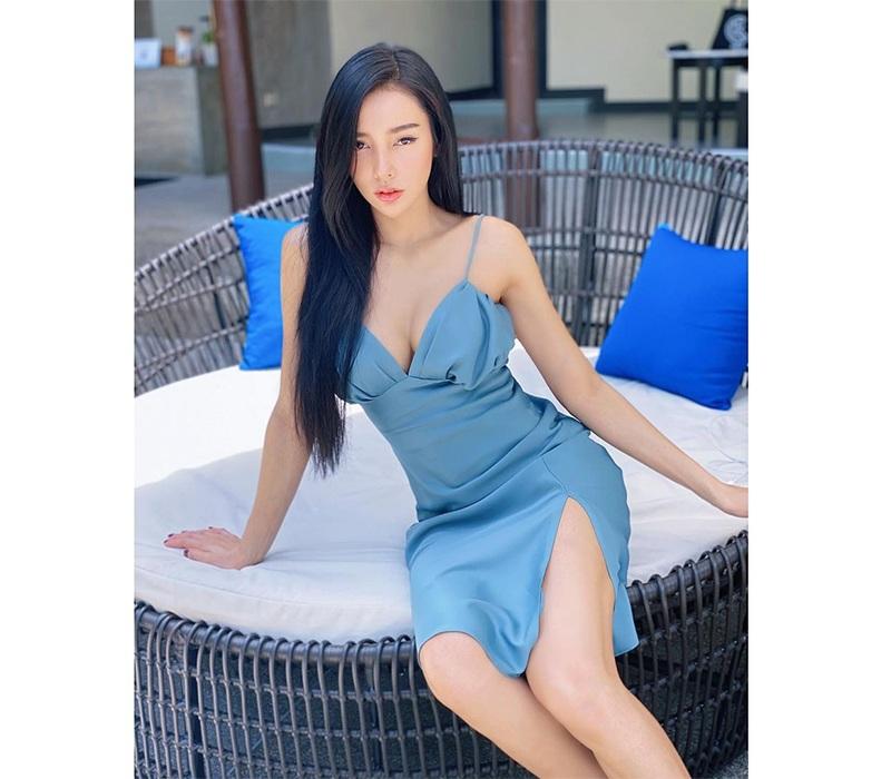 Thái Lan được biết tới là quê hương của rất nhiều mỹ nhân xinh đẹp. Ngoài những cái tên được đông đảo công chúngbiết đến, ở Thái Lan cũng tồn tại không ít cô nàng sở hữu sắc vóc trời phú nhưng chưa thực sự nổi tiếng, điển hình có thể kể tới là Pradubdow Makharom.