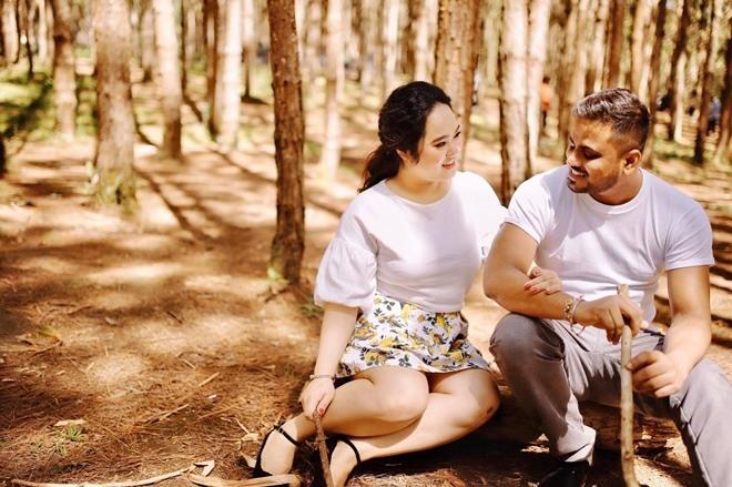 Chàng trai Ấn Độ qua nhà hỏi cưới cô gái Việt, đứng run lẩy bẩy đòi quay xe đi về