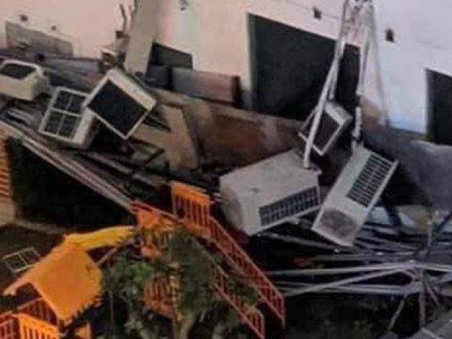 Hà Nội: Giàn điều hòa tại chung cư An Bình bất ngờ đổ sập sát khu vui chơi trẻ em