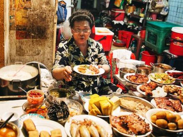 Quán cơm tấm có tên cực mất vệ sinh nhưng lúc nào khách cũng đông nghìn nghịt ở Sài Gòn