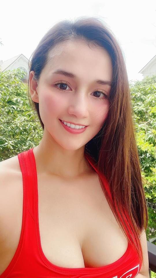 """Lã Thanh Huyền """"lên sóng"""" với ảnh selfie khoe nhan sắc trời cho, Mai Phương Thuý chỉ khen một điểm - 6"""