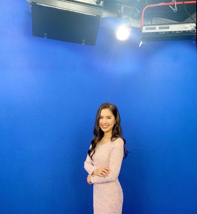 Nữ sinh năm 3 xinh đẹp thành BTV Thời tiết VTV: Thành tích đáng nể, còn có tài lẻ - 4