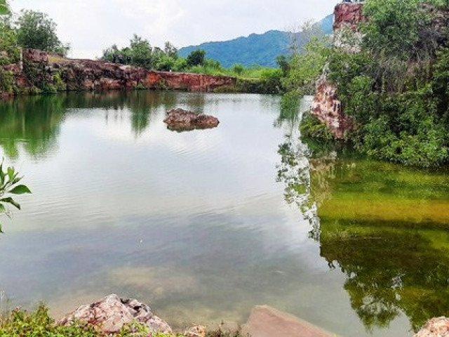 Xanh biếc hồ Tà Pạ - tuyệt tình cốc của miền Tây