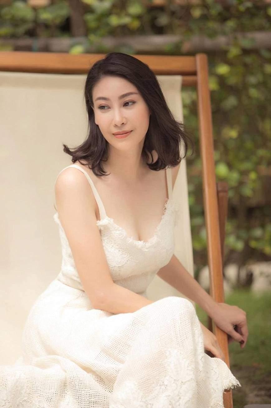 Hoa hậu Hà Kiều Anh cóbáu vật hình thể amp;#34;lấn átamp;#34; gái 18, đến Mai Phương Thuý cũng xuýt xoa - 9