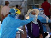 Tin tức - COVID-19 17/5: Người bán cơm gà dương tính SARS-CoV-2 qua xét nghiệm ngẫu nhiên