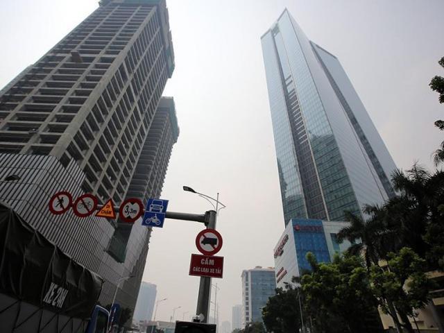 Vừa xảy ra rung chấn động đất ở Hà Nội, người dân nhiều chung cư hoảng hốt vì rung lắc