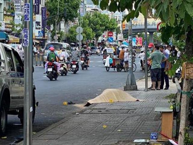 Bắt nghi phạm sát hại tài xế xe ôm trước cổng bệnh viện ở Sài Gòn