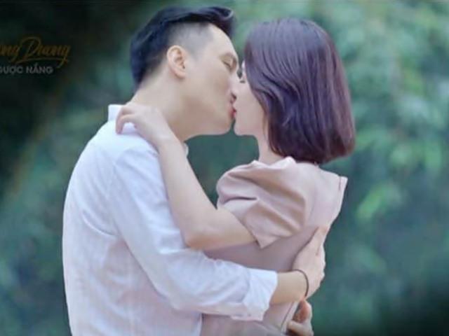 Hôn ngọt ngào Việt Anh trong phim, Lương Thu Trang nói gì về tin đồn phim giả tình thật?
