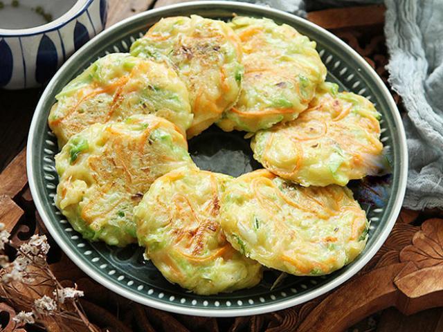 Bắp cải không chỉ để xào, đem làm món ăn sáng lại quá ngon, cả nhà cứ đòi ăn nữa