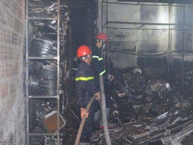Nóng: Cháy lớn ở Quảng Ngãi khiến 4 người trong gia đình tử vong
