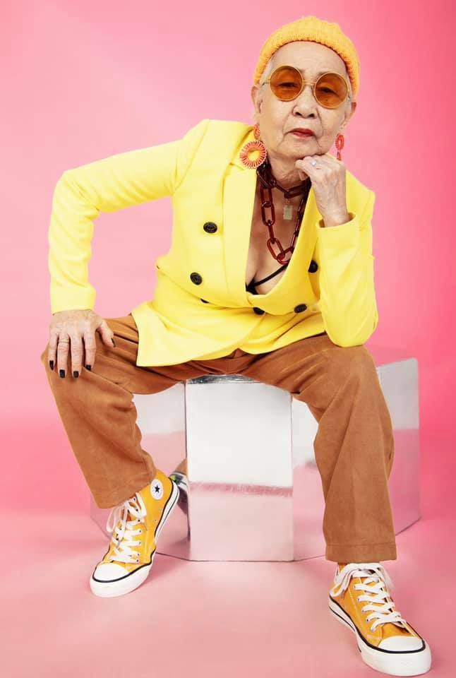 Lão đại làng Rap Việt tung ảnh thời trang, nhưng lại bị bà ngoại làm lu mờ - 5