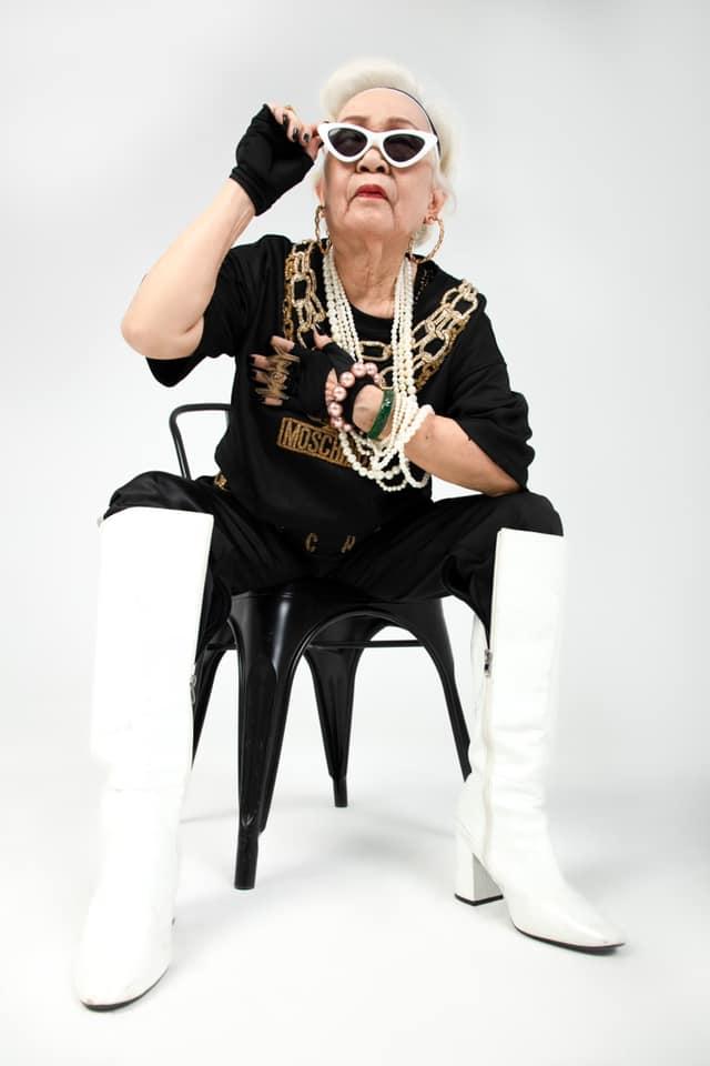 Lão đại làng Rap Việt tung ảnh thời trang, nhưng lại bị bà ngoại làm lu mờ - 8