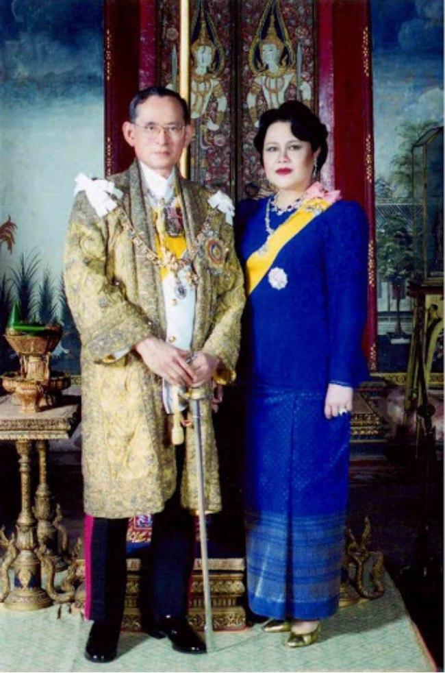 Vương hậu tại vị lâu nhất của Thái Lan có nhan sắc làm người người mê mẩn