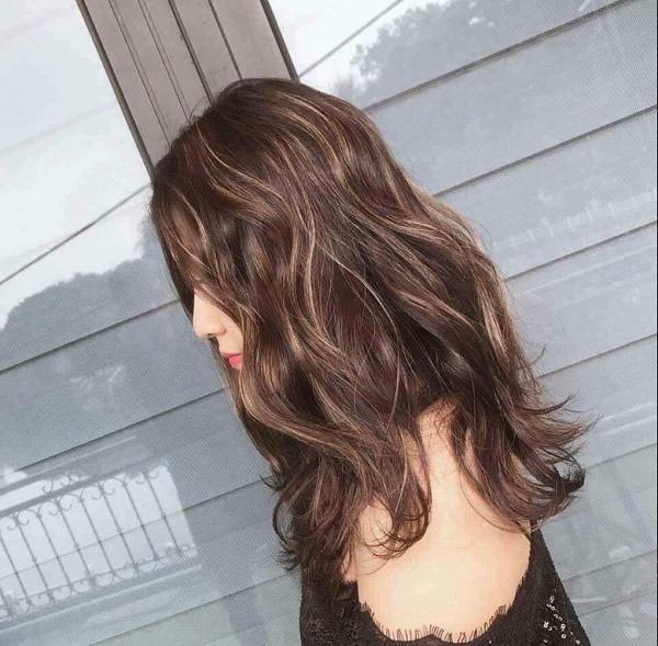 Top 15 màu tóc cho da ngăm đẹp nhẹ nhàng giúp tôn da mà đầy cuốn hút