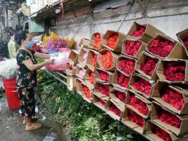 Chợ hoa Đầm Sen, TP.HCM mở cửa phục vụ dịp Tết Đoan Ngọ: Mua nhanh, bán lẹ, tránh tụ tập