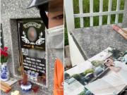 Nghẹn ngào phút giây chồng ra nghĩa trang thăm vợ, đau đớn lật từng tấm ảnh cưới