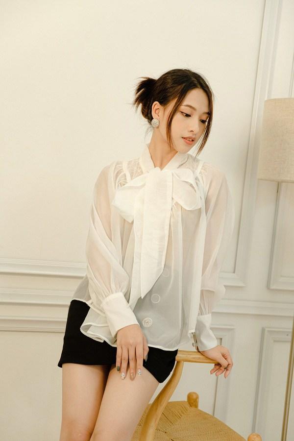Hội sành mốt toàn ưu ái váy áo vải voan, diện lên vừa mát mẻ lại đẹp như nàng thơ - 1