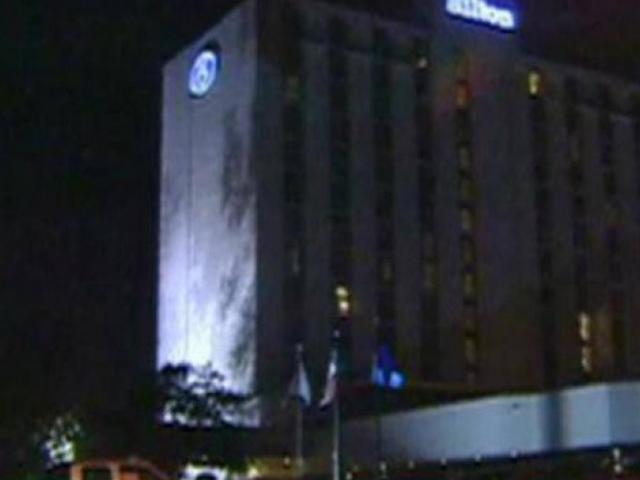 Cơn ghen của hoa hậu thấy chồng vào khách sạn với nhân tình: Màn đánh ghen ồn ào