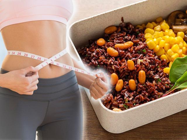 Giảm 10kg nhờ cách ăn siêu rẻ, bà chủ Hà Nội bỏ cuộc khi cơ thể có dấu hiệu này