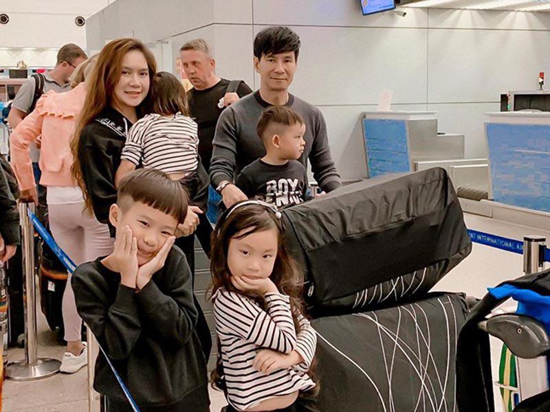 Cuối tháng 6 vừa qua, sau thành công rực rỡ của bộ phim Lật mặt giúp Lý Hải thu về 117,5 tỉ, gia đình Lý Hải Minh Hà đã quyết định nghỉ xả hơi và đưa cả 4 nhóc tì lên đường sang Châu Âu.