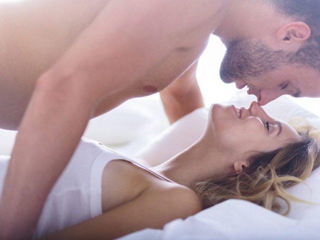 Dùng nước lạnh sau quan hệ, sai lầm nhiều người mắc gây áp lực toàn bộ cơ thể